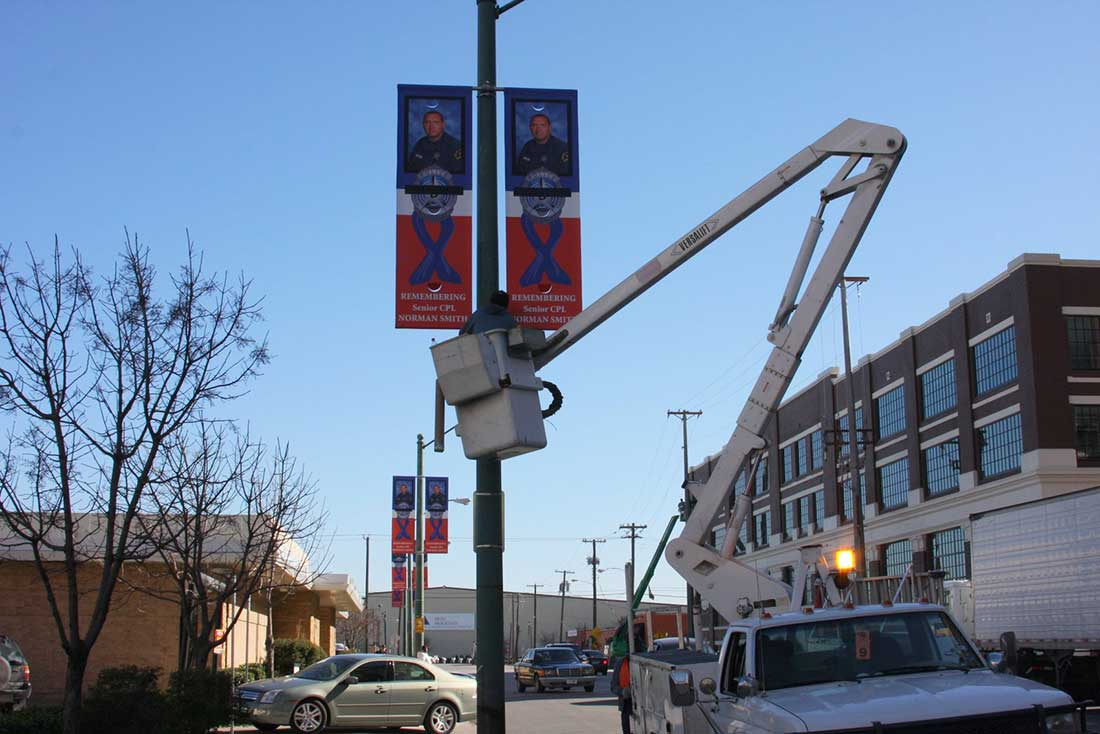 Services-Pole-Banner-Installation1-lg